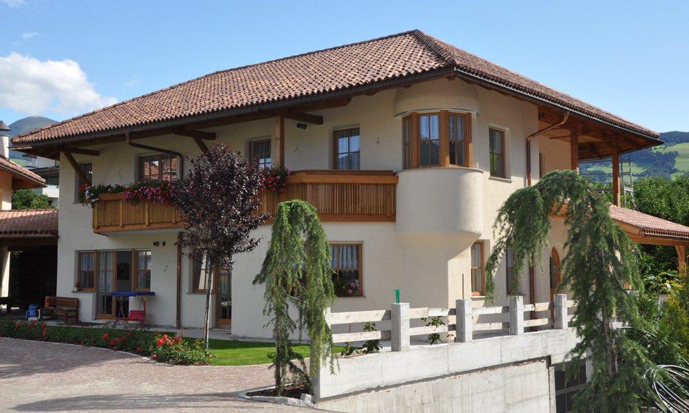 Ihre Unterkunft in Natz/Schabs - moderne und freundlich eingerichtete Ferienwohnungen auf dem Stocknerhof